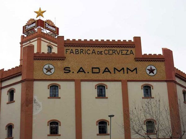 Edificio de la Antigua Fábrica Estrella Damm en Barcelona