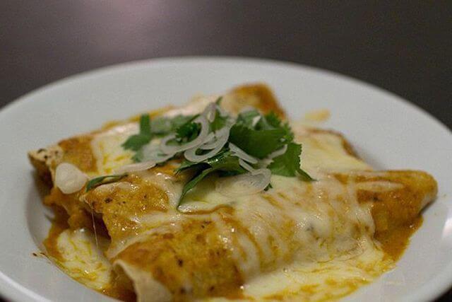comida mexicana enchiladas
