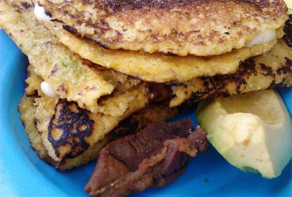 Cochino frito con cachapa