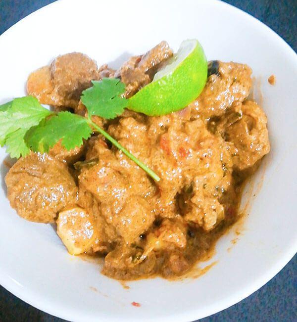 Cordero al curry al estilo indio