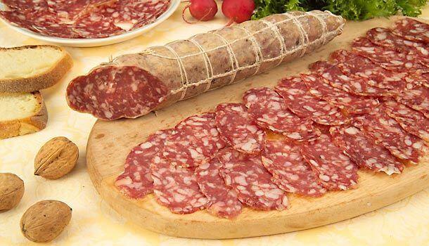 salame de felino para comer en Parma
